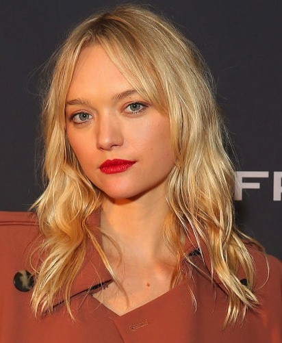 Gemma Ward's Long Wavy Blonde Hair with Attitude