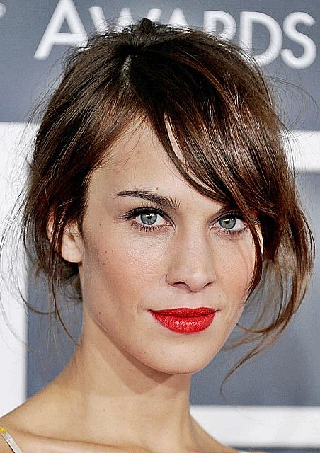 Alexa Chung's Cool Unkempt Updo With Side Bangs