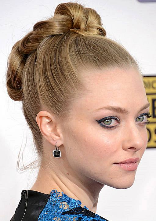 Amanda Seyfried's Twisted Braided Updo For Prom