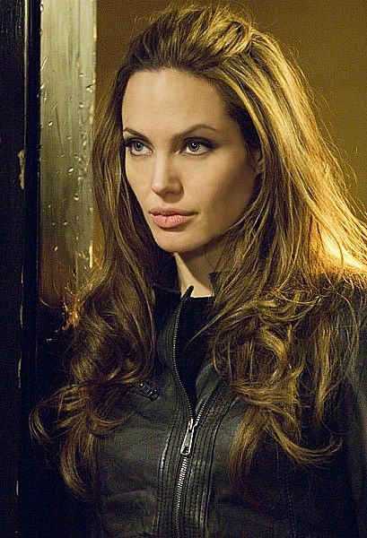 Angelina Jolie Voluminous Half Up Half Down Ponytail Hairstyle