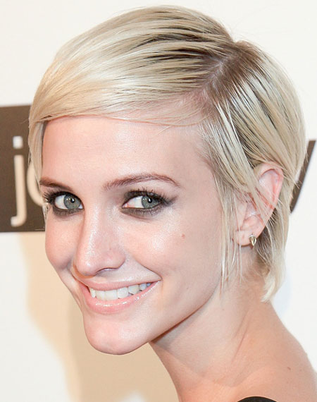 Ashlee Simpson's Chic Modern Pixie Hairstyle