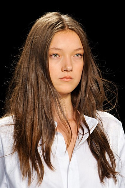 Sultry Unkempt Tresses at BCBG Max Azria Spring 2014 New York Fashion Week