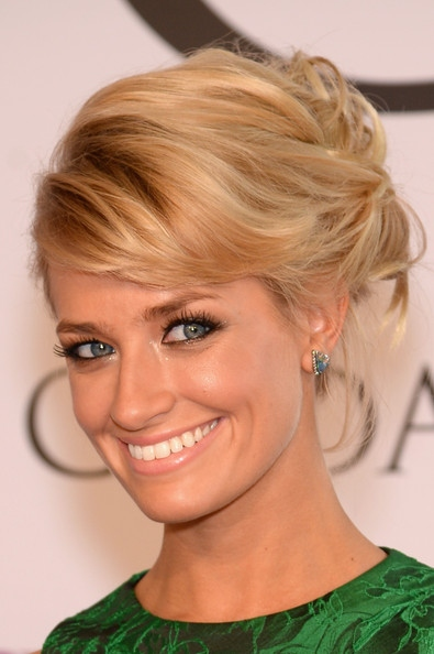 Beth Behrs' Side Parted Wavy Updo At CFDA Fashion Awards 2014