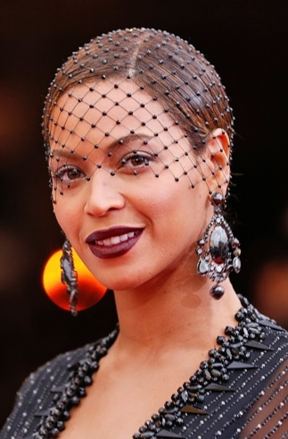 Beyonce Knowles' Beaded Veil Chignon At Met Ball 2014