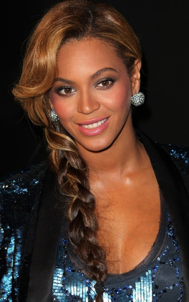 Beyonce's Low Braid With Side Bangs