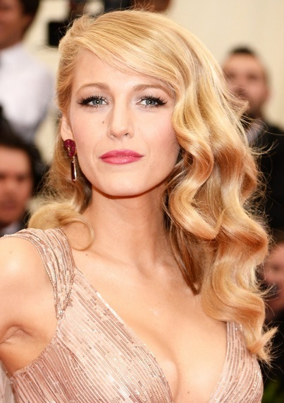 Blake Lively's Vintage Pin Curls Look At Met Ball 2014