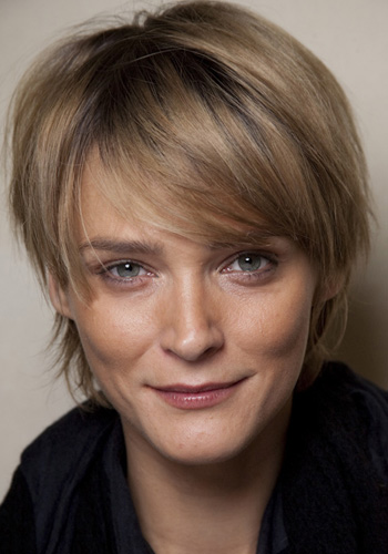 Carmen Kass' Edgy Mussed Up Short Shag Hairstyle