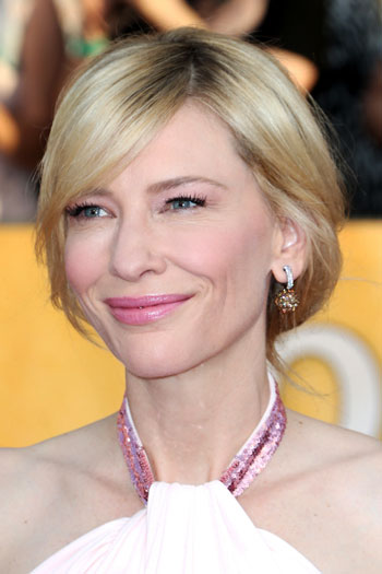 Cate Blanchetts Messy Low Chignon Hairstyle At The 2014 Sag Awards