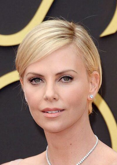 Charlize Theron's Elegant Short Hairstyle at the 2014 Oscars