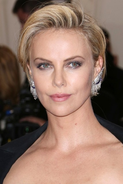 Charlize Theron's Short Side Parted Hairstyle At Met Ball 2014