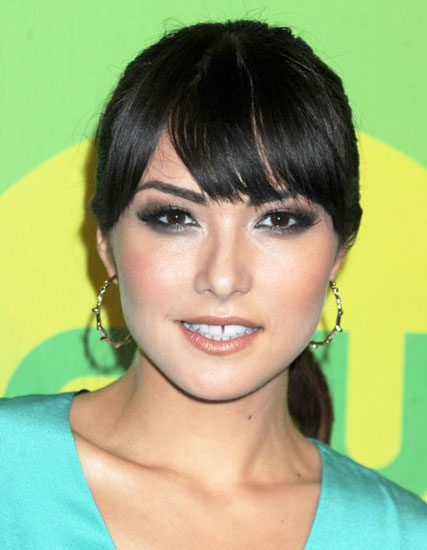 Daniella Pineda's Pretty Ponytail with Modified Blunt Bangs