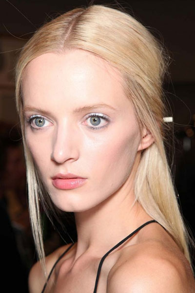 Daria Strokous' Dainty Pin Straight Half Up Middle Part Hairstyle