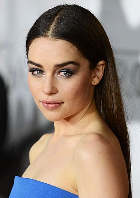 Emilia Clarke's Super Simple Middle Part Long Hairstyle