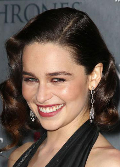 Emilia Clarke's Vintage Pin Curls Hairstyle