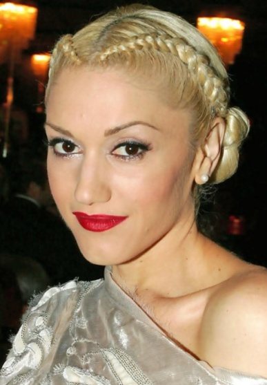 Gwen Stefani's Middle Parted Dutch Braides Chignon