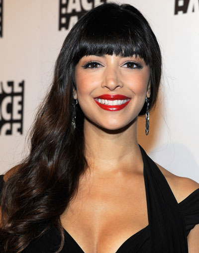 Hannah Simone's Lovely Long Wavy Hairstyle with Blunt Bangs