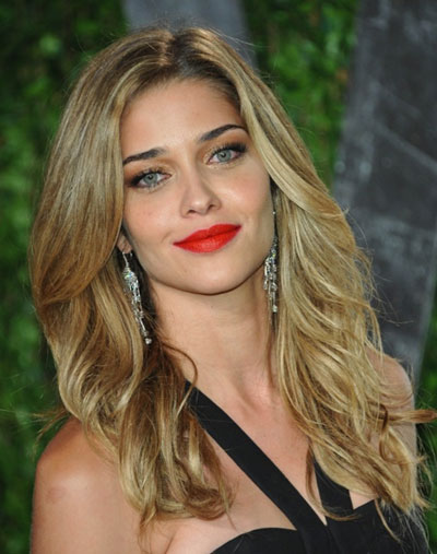 Ana Beatriz Barros' Sexy Long Layered Wavy Hairstyle