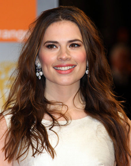 Hayley Atwell's Sultry Long Wavy Bed Head Hairstyle