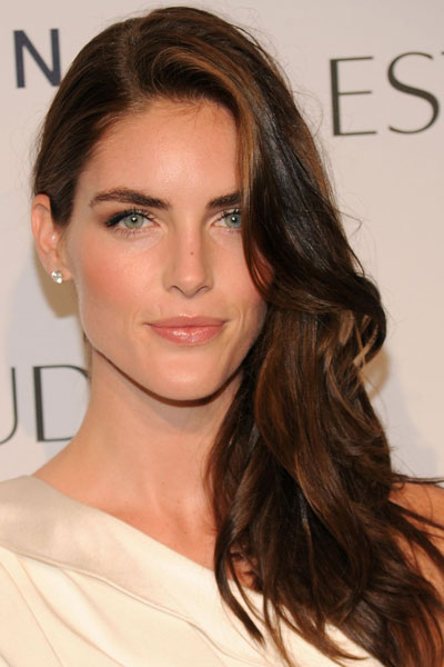 Hilary Rhoda's Hot Side-Swept Wavy Hairstyle