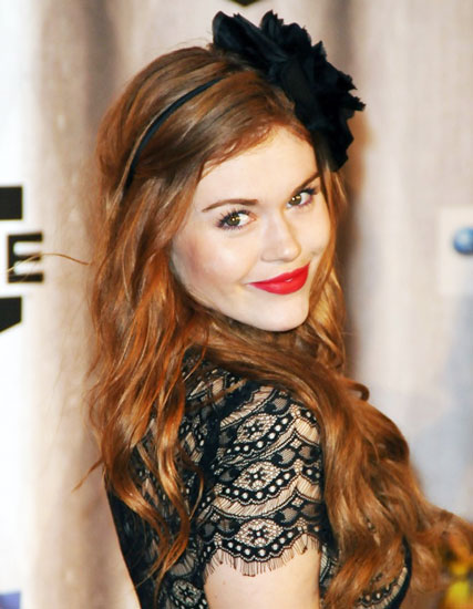 Holland Roden S Long Wavy Hairstyle With Floral Headband