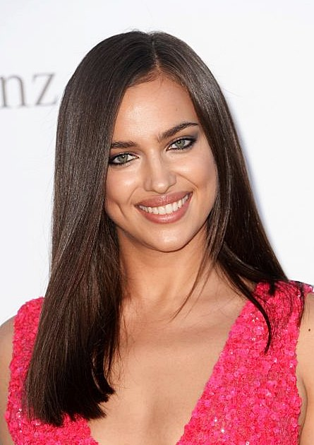 Irina Shayk's Classic Side Part Long And Shiny Hairstyle