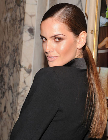 Izabel Goulart S Sleek Low Ponytail Casual Party