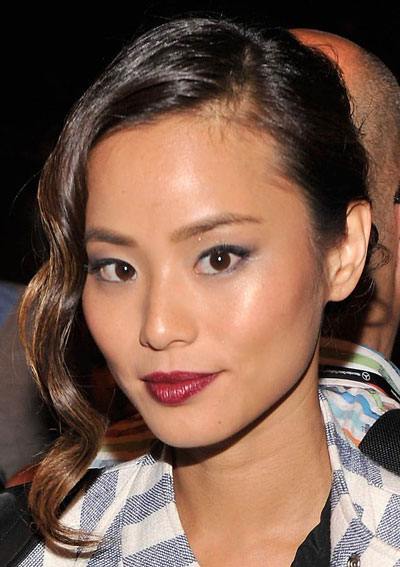 jamie chung�s sleek updo with loose curls prom wedding