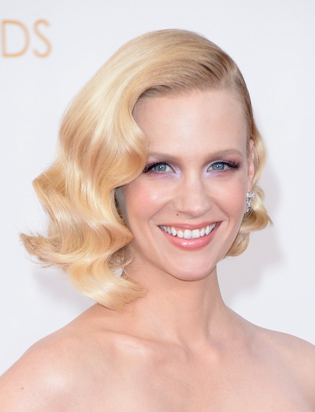 January Jones' Elegant Retro Waves at the 2013 Primetime Emmy Awards