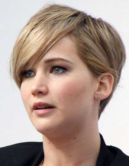 Jennifer Lawrence's Stylish Short Hair with Long Side Bangs