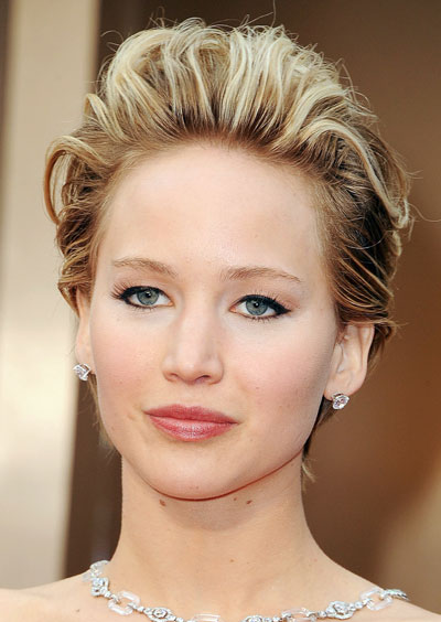 Jennifer Lawrence's Chic Messy Short Hairstyle at the 2014 Oscars