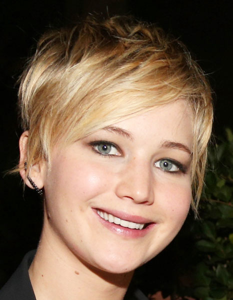 Jennifer Lawrence's Cute Pixie Hairstyle with Piecey Layers