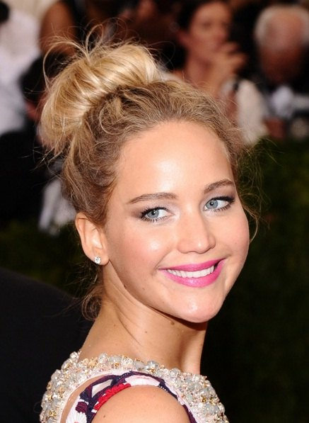 Jennifer Lawrence's Top Knot At Met Ball 2015