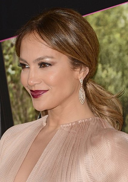 Jennifer Lopez Relaxed Low And Loose Ponytail Hairstyle