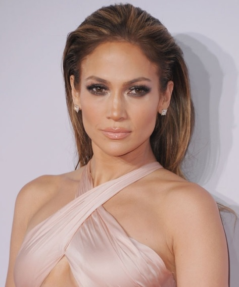Jennifer Lopez's Sleek Style At AMA 2014