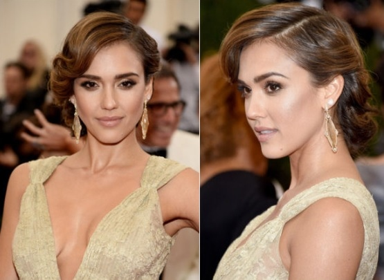 Jessica Alba's Side Swept Queue Curl Hairdo At Met Ball 2014
