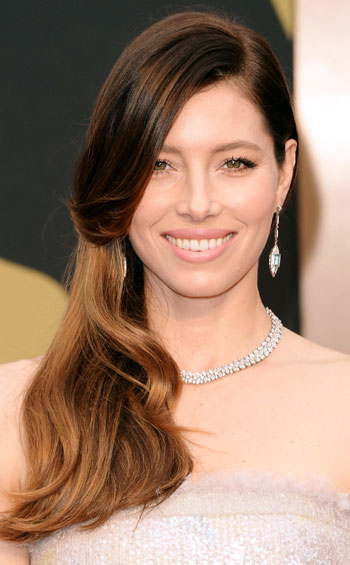 Jessica Biel's Side-Swept Long Hairstyle at the 2014 Oscars