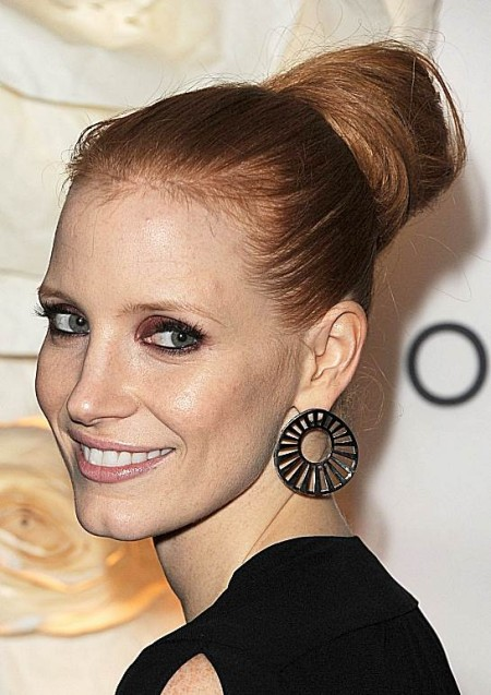 Jessica Chastain's Chic Oversized High Bun Hairstyle For Formal Occasions