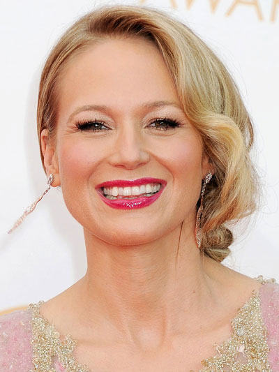 Jewel's Sophisticated Low Side Chignon Hairstyle