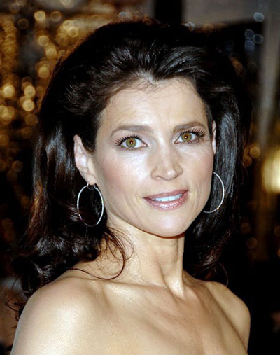 Julia Ormond's Bouffant Loose Long Hairstyle