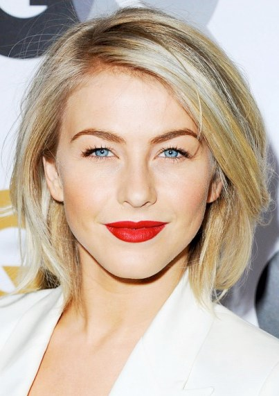 Julianne Hough's Cute and Classic Layered Bob Haircut