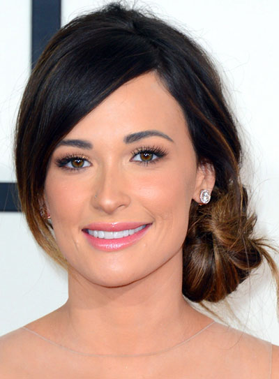 Kacey Musgraves' Chic Side Bun Hairstyle at the 2014 Grammy Awards
