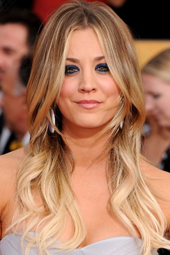 Kaley Cuoco's Messy Long Wavy Hairstyle at the 2014 SAG Awards