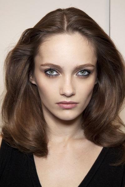 Karmen Pedaru's Dramatic Shoulder Length Hairstyle