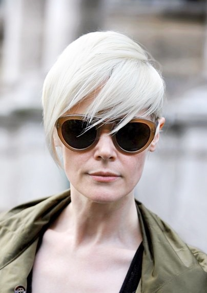 Kate Lanphear's Cool Short Platinum Blonde Hairstyle