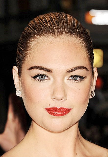 Kate Upton Simple and Elegant Bun Hairstyle