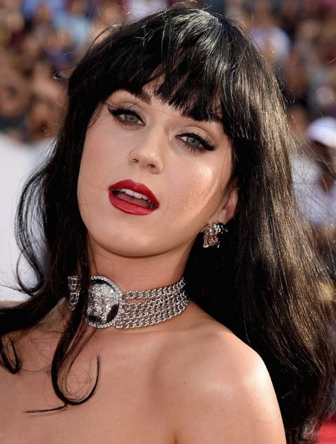 Katy Perry's Long Style With Blunt Bangs At VMA 2014