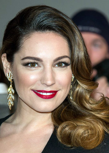 Kelly Brook's Sexy Medium Side-Swept Curly Hairstyle