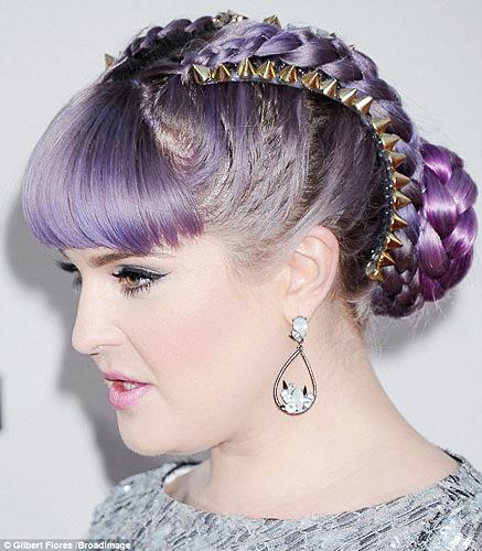 Kelly Osbourne's Double Cornrows Updo at the 2013 American Music Awards