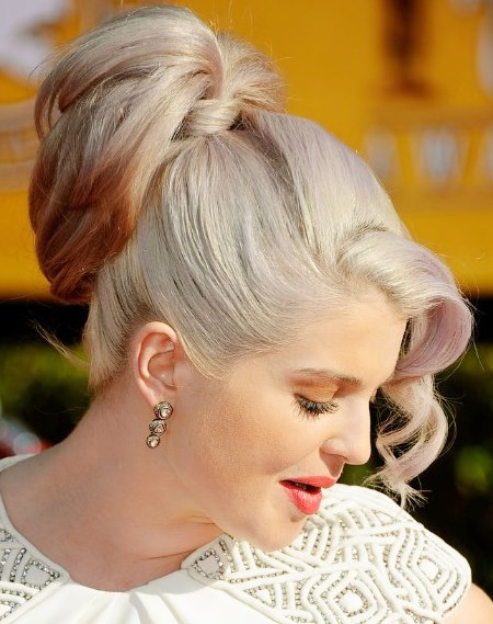 Kelly osbournes high ponytail hairstyle prom wedding party kelly osbournes high ponytail hairstyle pmusecretfo Image collections