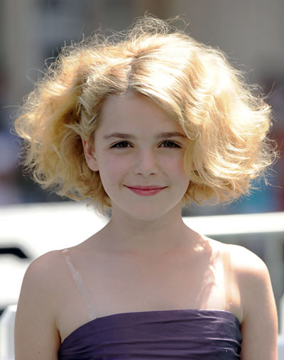 Kiernan Shipka's Cool Wavy Big Hair